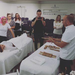 praktični del tečaja za maderoterapijo